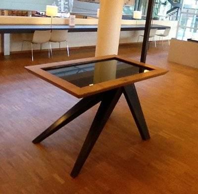 Interactieve tafel bibliotheek Genk ontwerp Ollivier Piqueray